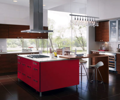 Benjamin Moore Color of the Year 2018 Caliente. This red is charismatic. It lures and it beckons. It's not shocking; in fact, its brown undertone makes it soothing.