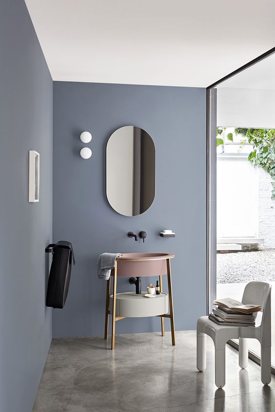 Create a soothing bathroom coming blue inspired by the sky and AkznoNobel Heart Wood