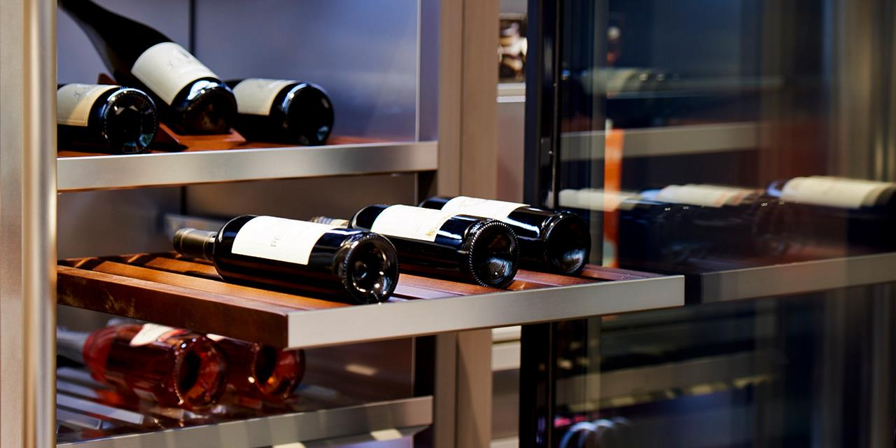 For Wine Lovers | LG Signature Wine