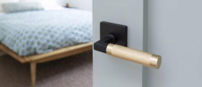 What is Knurling, example on door handle