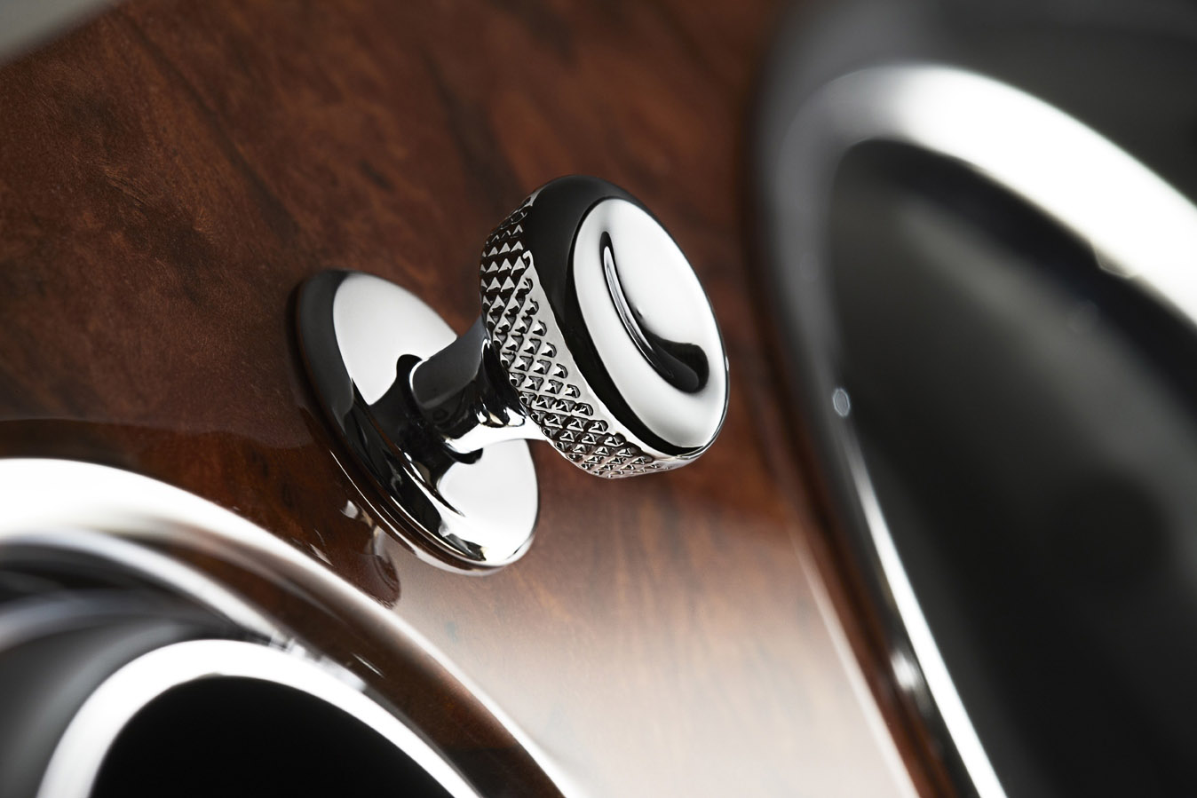 What is Knurling? Example from Bentley
