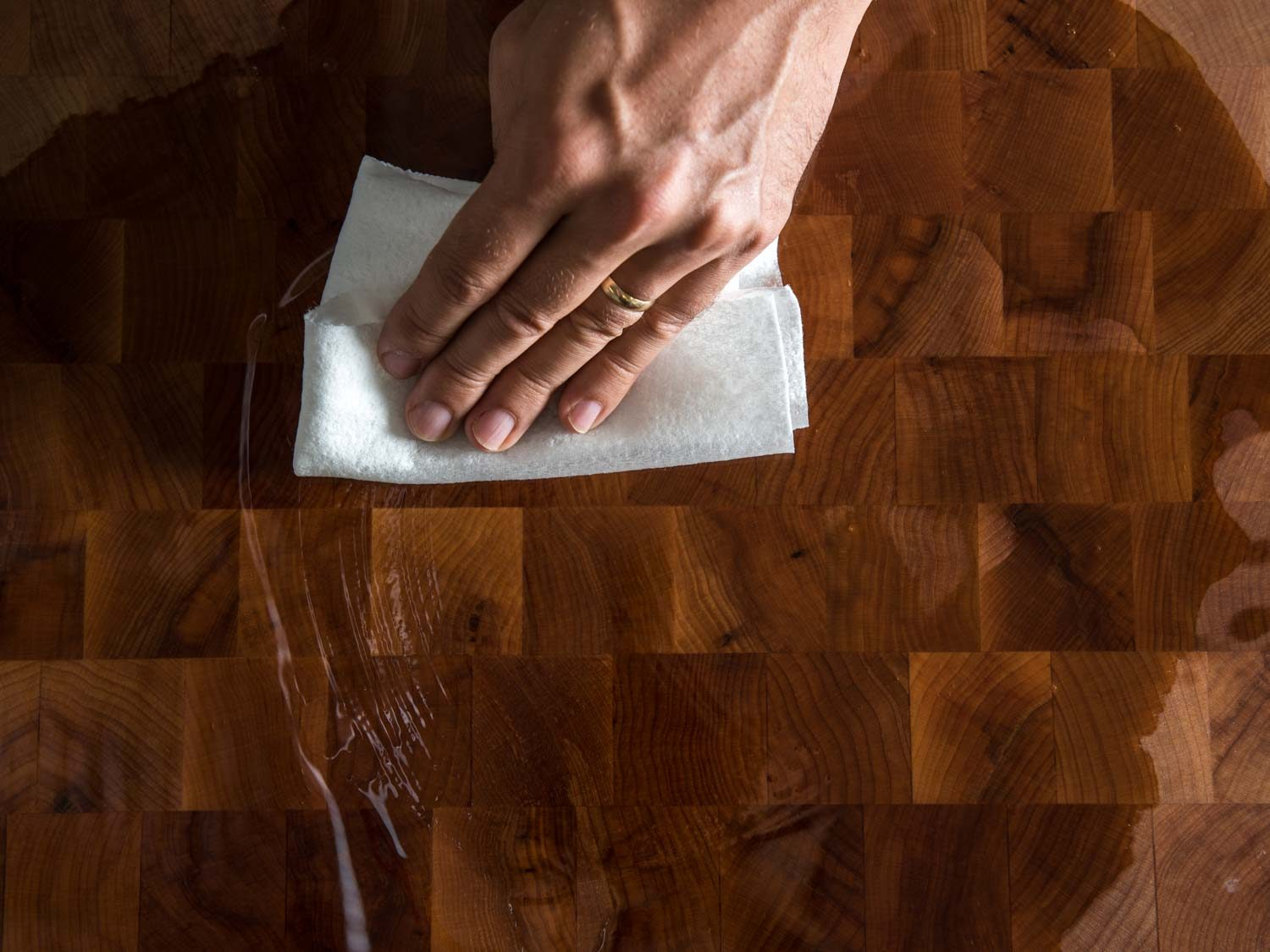 Maintaining and Safely Cleaning Butcher Block using food grade mineral oil